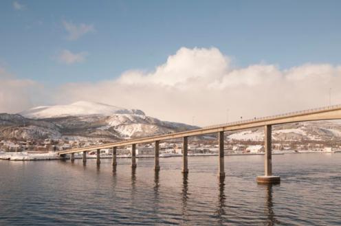Hurtigruten_bridge