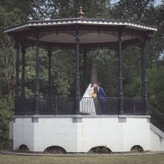 Wedding photoshoot in Vondepark's music chapel.