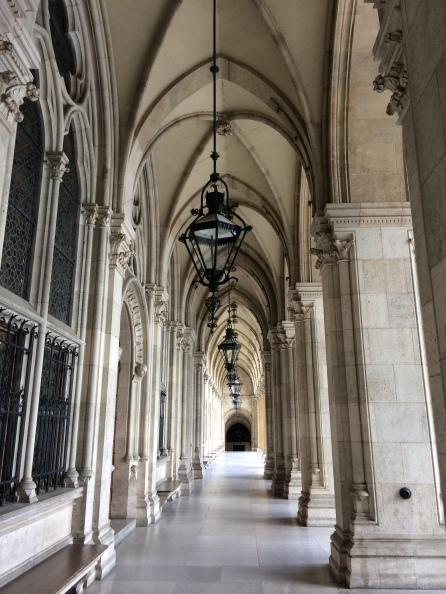 The arcade of the impressive Rathaus