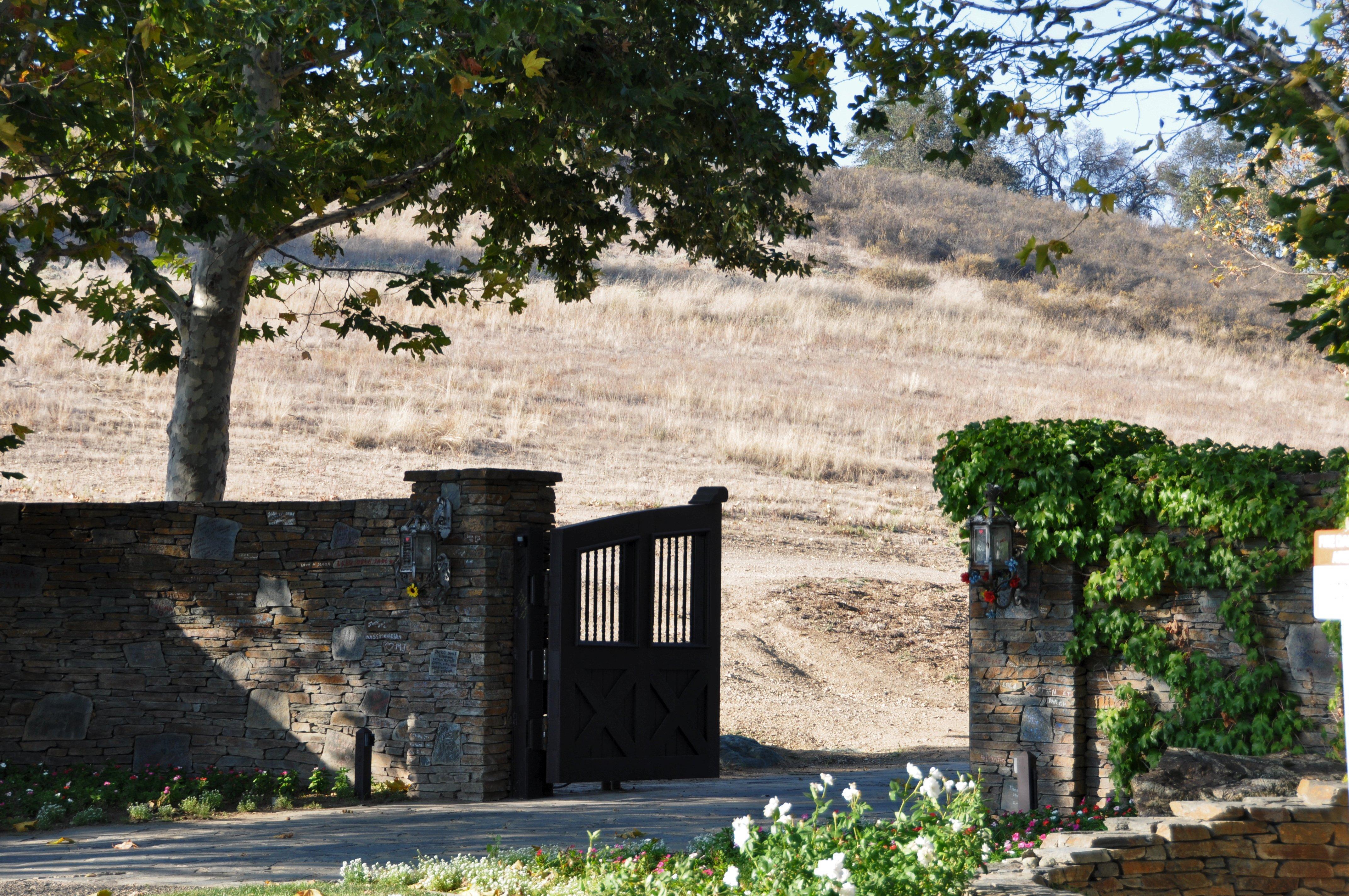 Michael Jackson's Neverland gates